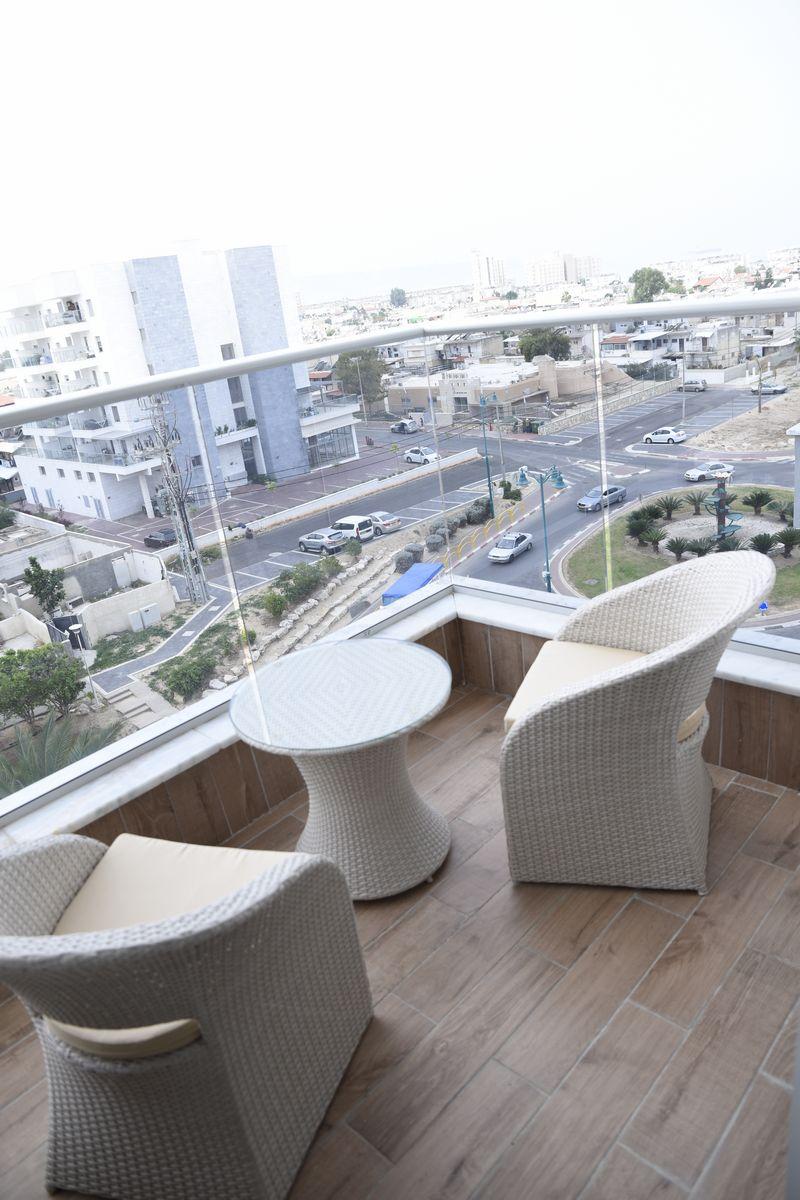 תצפית ממרפסת של דירה בפרויקט אלמוגים