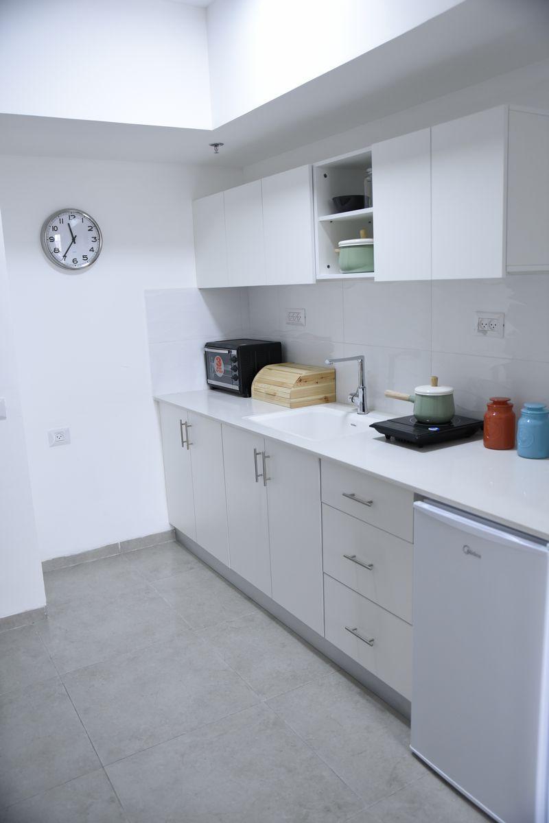 מטבח מאובזר בכל דירה בפרויקט אלמוגים